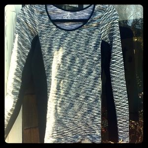 Black & White Exercise Long-Sleeve Top